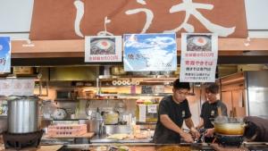 【フォトレポ】太麺焼きそばうまい!「青森ソウルフードまつり」